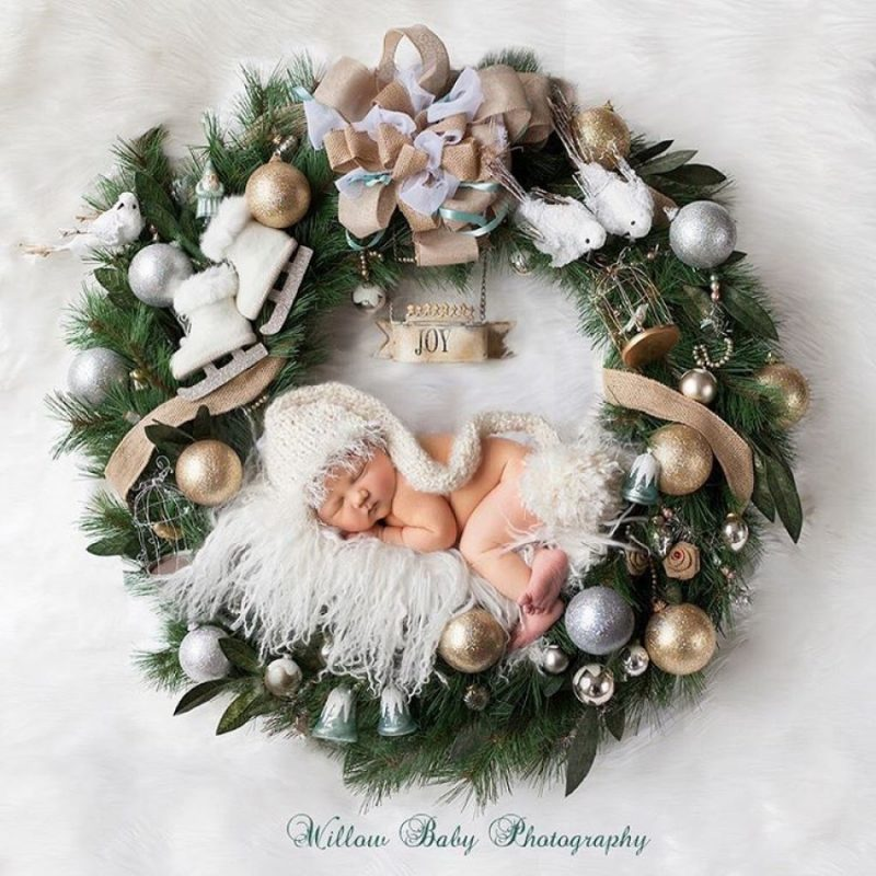 146005-900-1450949548-ad-knitted-christmas-baby-outfits-09
