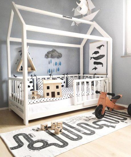 Otroška postelja hiška.