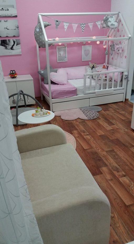 Otroške postelje hiške.