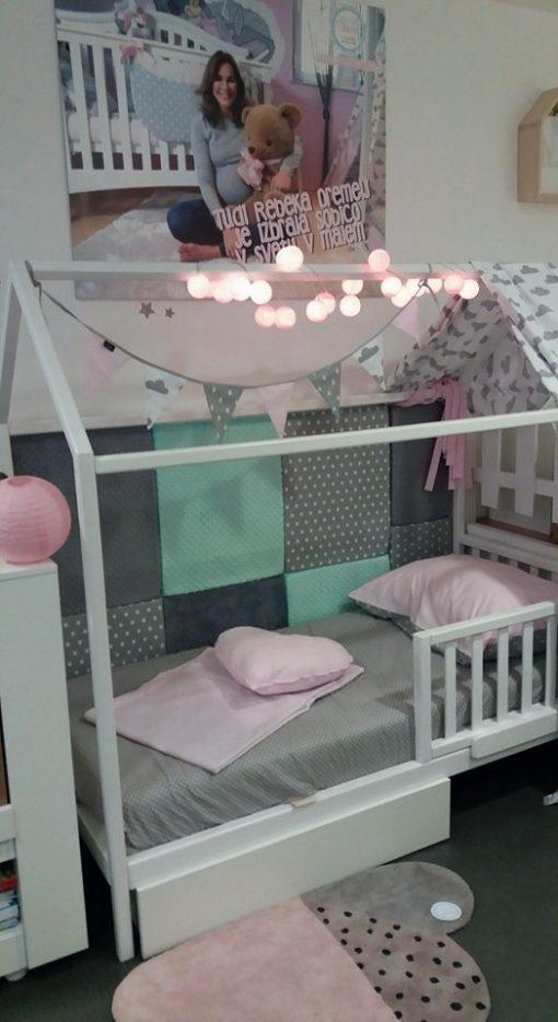 Hiška otroška postelja.