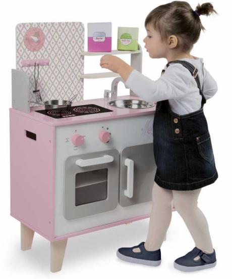 Otroška lesena kuhinja