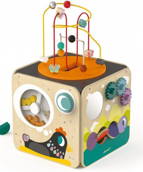 Mali zakladi_Otroška lesena igrača JANOD_Aktivnostna kocka s spiralo_1